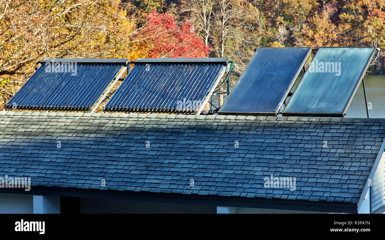 Solar hot water heaters on bathroom roof,  facilitating Melton Hill Dam Recreation Area Campground. - Stock Image