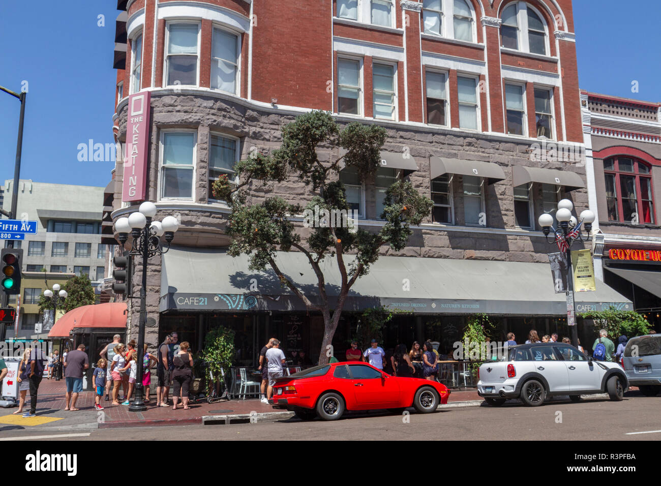 The Cafe 21 restaurant in the George J. Keating Building, in the Romanesque Revival style, Gaslamp Quarter, San Diego, California, United States, - Stock Image