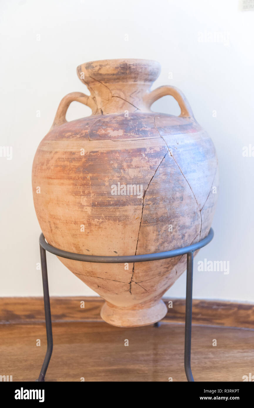 Ancient clay vessel, Mon Repos Palace, Corfu, Greece - Stock Image