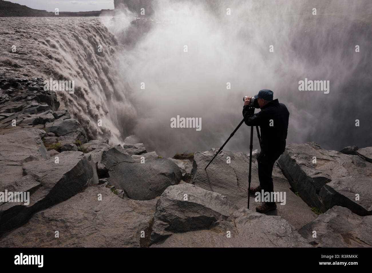 Art Wolfe on location, Dettifoss, Iceland - Stock Image
