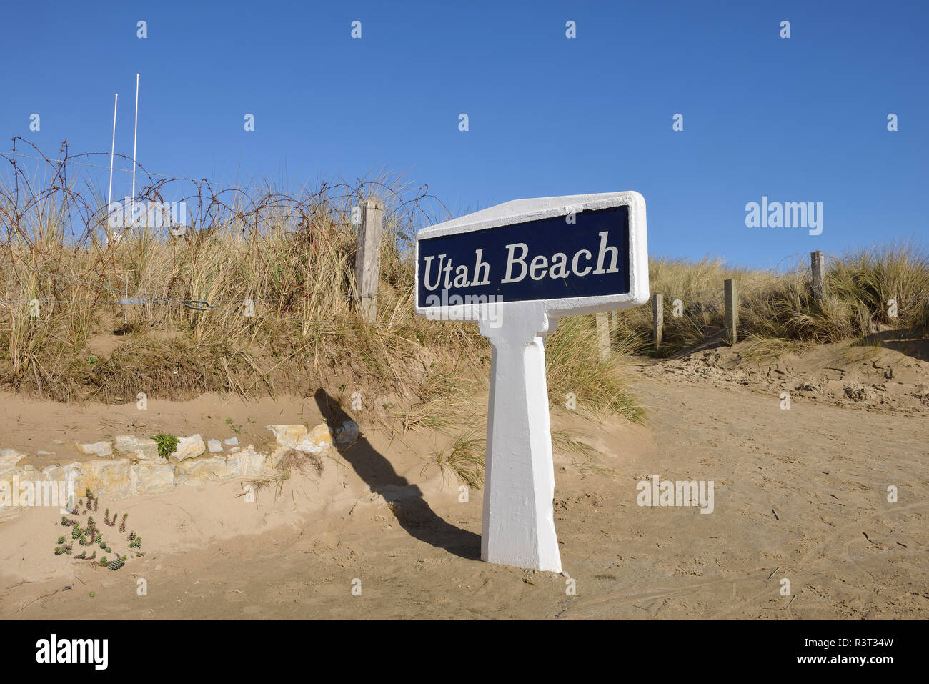 France, Lower Normandy, Manche, Sainte Marie du Mont, Utah Beach, Barbed wire fence and sign Utah Beach Stock Photo