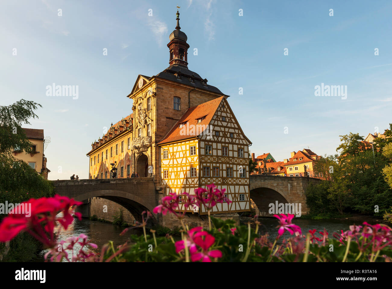 Germany, Bavaria, Upper Franconia, Bamberg, Old townhall, Obere Bruecke and Regnitz river - Stock Image