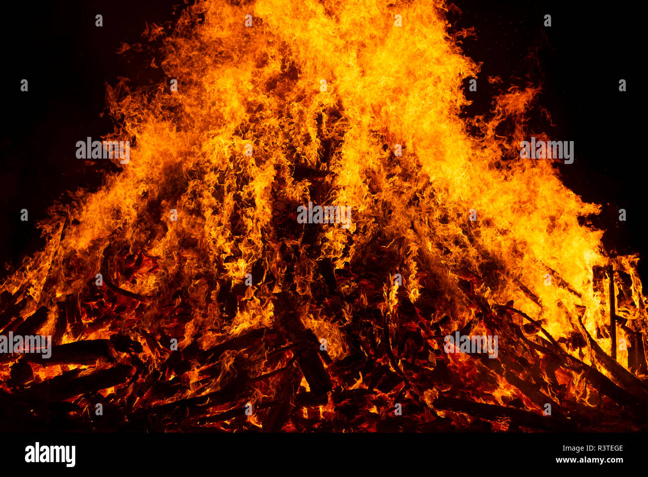 Blazing log fire, close-up Stock Photo