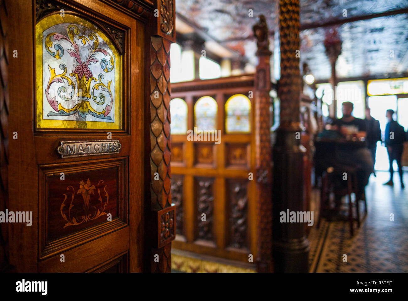 UK, Northern Ireland, Belfast, Crown Liquor Saloon, historic 1885 bar, unique private bar rooms called snugs - Stock Image