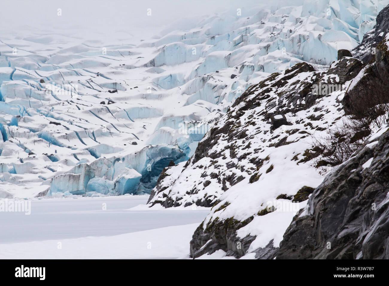 USA, Alaska. A close up view of Mendenhall Glacier and Mendenhall Lake in winter. - Stock Image