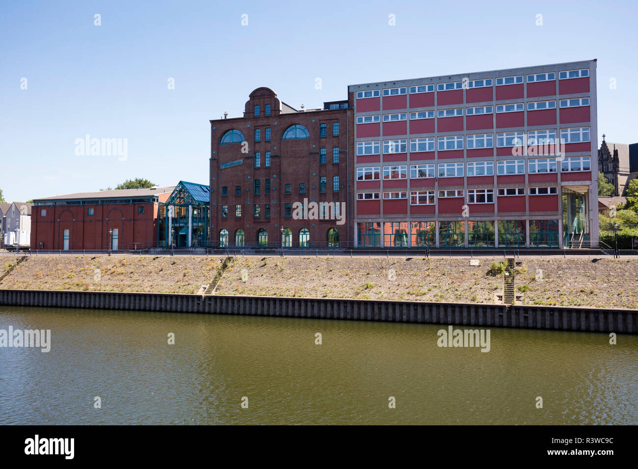 Germany, Duisburg, view to municipal museum at inner harbour - Stock Image