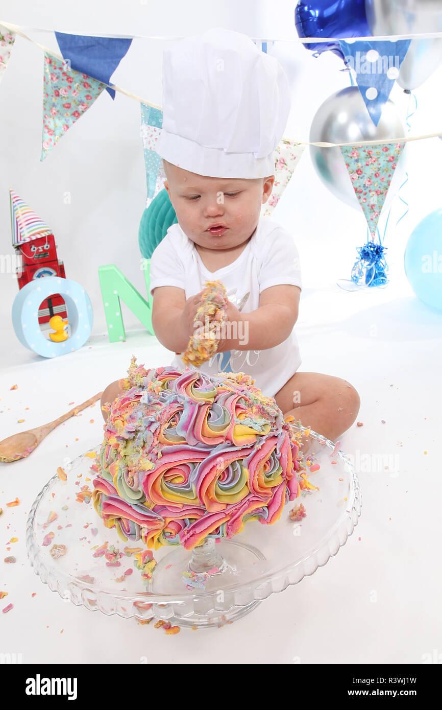 Sensational 1 Year Old Toddler Cake Smash Birthday Cake Stock Photo Birthday Cards Printable Nowaargucafe Filternl