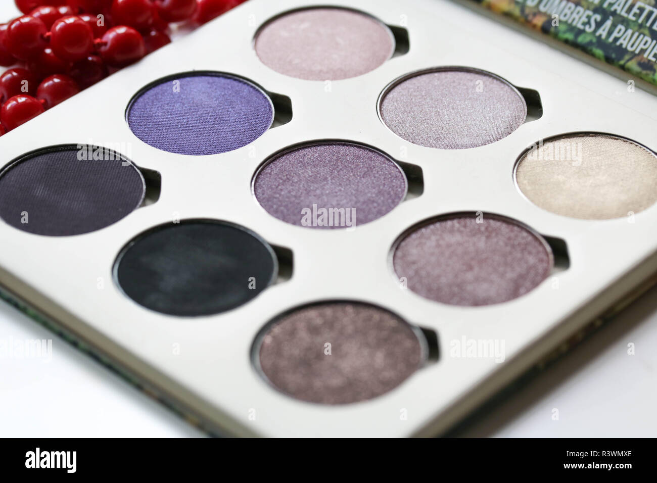 Eyeshadow Palette Purple Shades Close Up - Stock Image