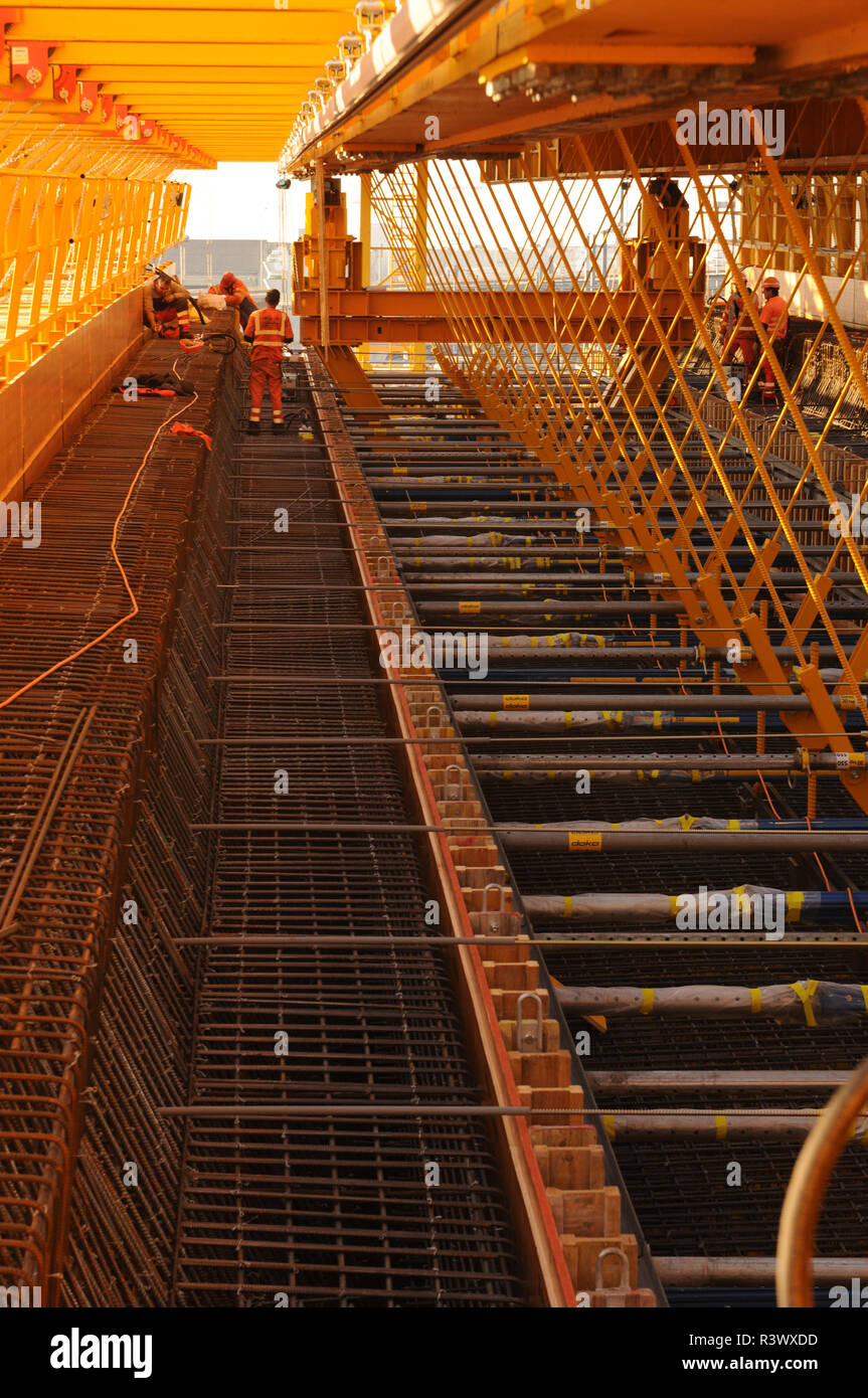 Switzerland: Railway construction work at the Letzigraben bridge in Zürich-West. - Stock Image