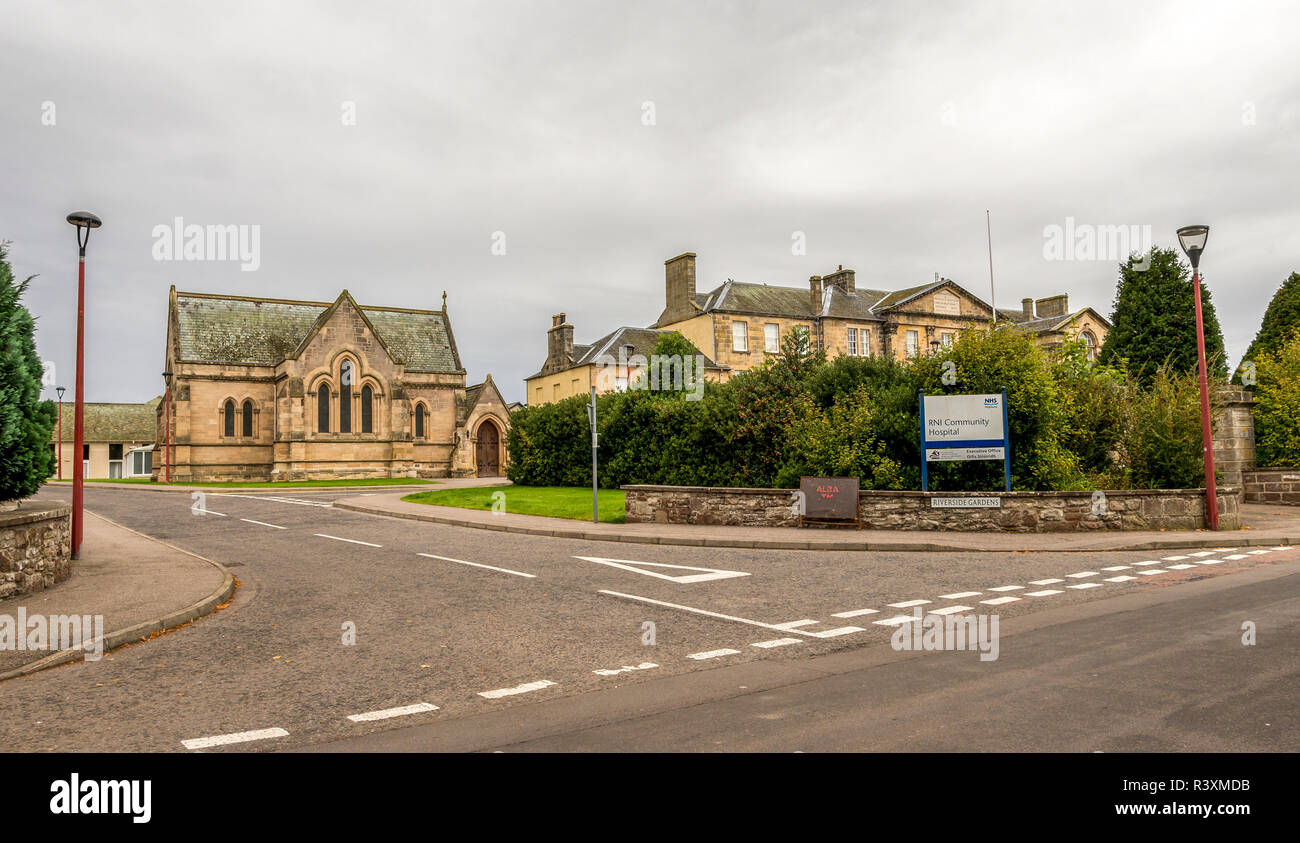 An entrance and entry road to Historic RNI Community Hospital at Riverside Gardens in Inverness, Scotland - Stock Image