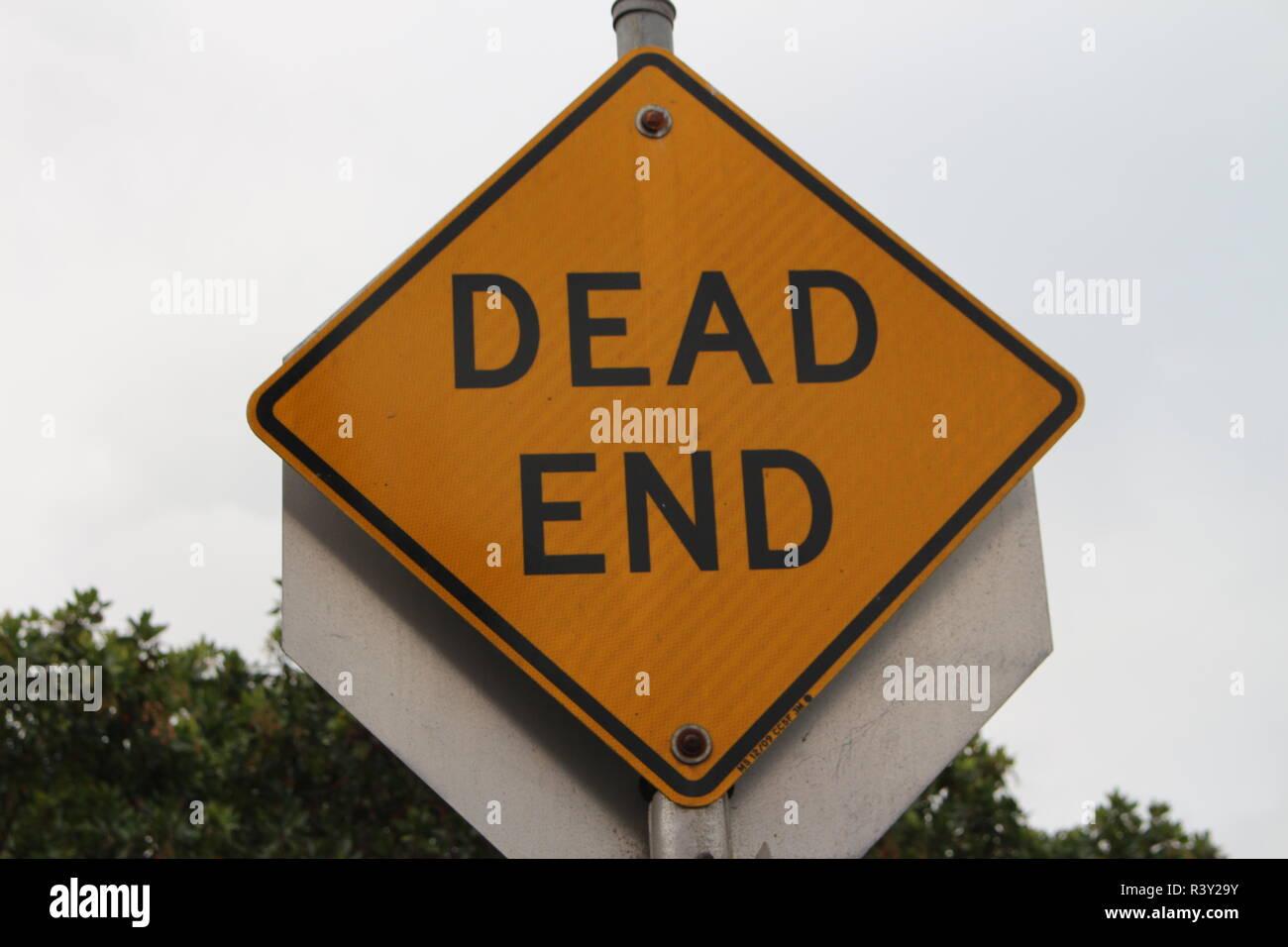 Dead End Verkehrsschild Zeichen Warnung USA - Stock Image