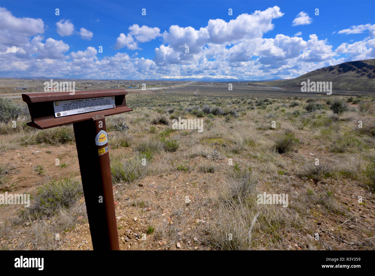 A trail marker on the California Trail, west of Elko on I80, marks where overland emigrants struggled up a sandy hill along the Humboldt River. - Stock Image