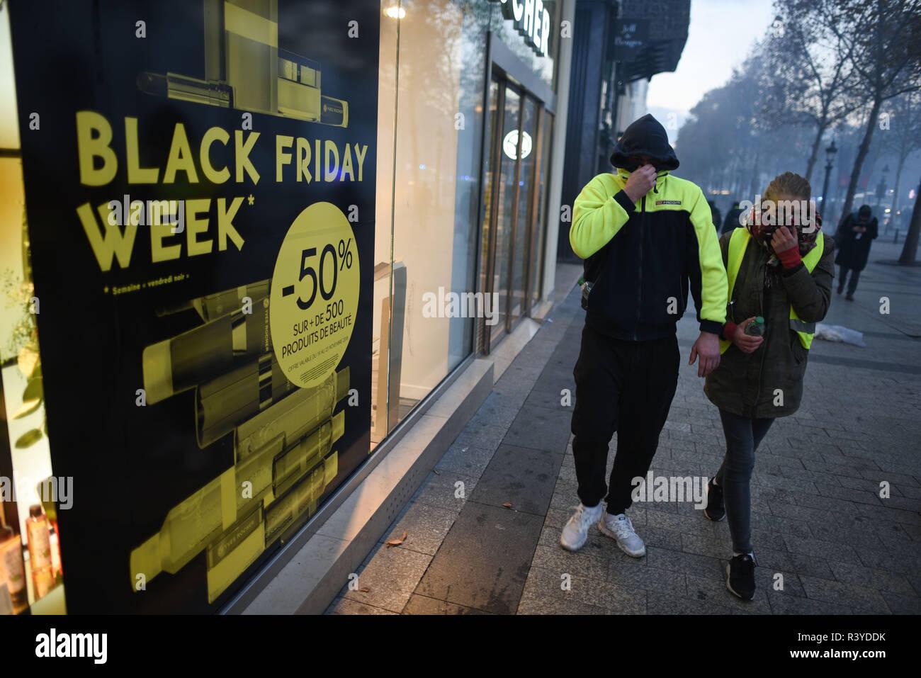 Paris Shopping Champs Elysee Stock Photos & Paris Shopping Champs