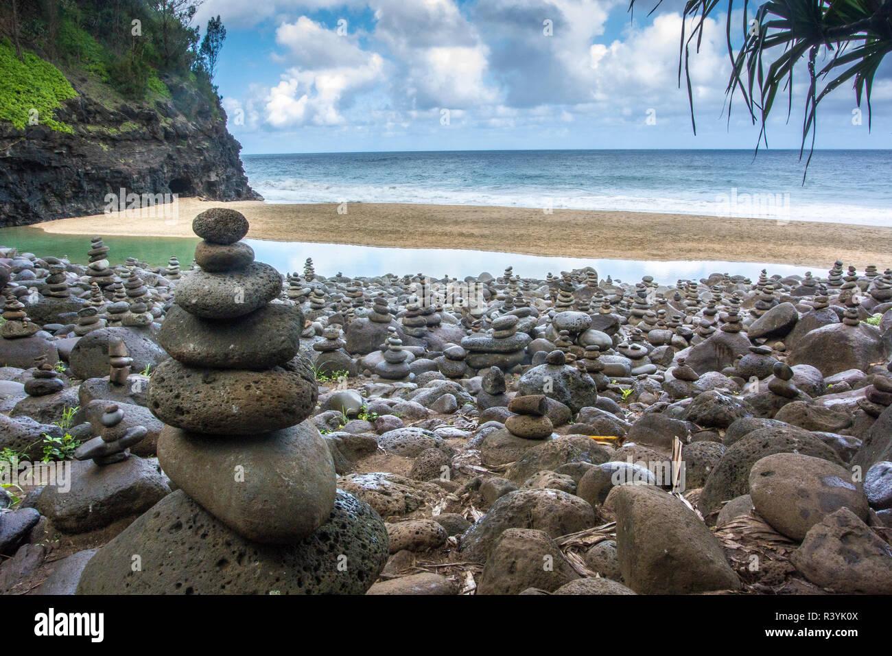 Hawaii, Kalalau Trail, Kauai, Napali, Napali Coast State Park, rock cairns Stock Photo