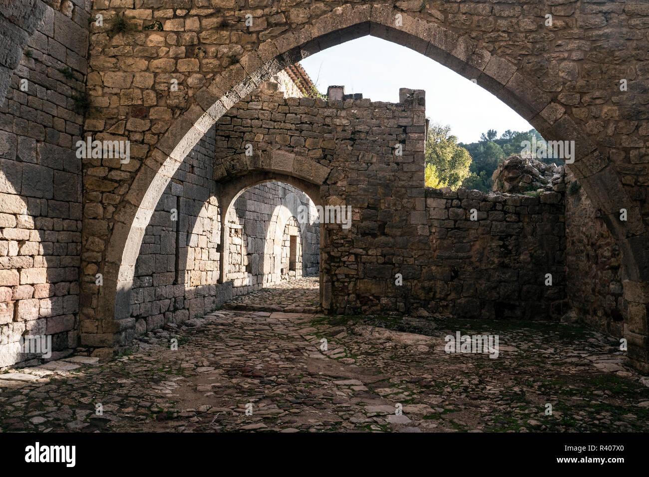 Abbaye du Thoronet, Basilique, 3e tombeau de la chretienté Provence verte dans le Var Stock Photo