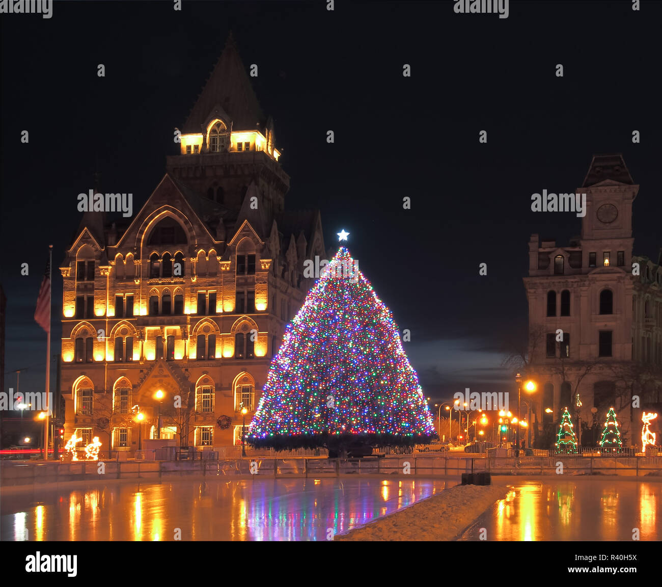 Downtown New York Christmas Decorations Stock Photos & Downtown New ...