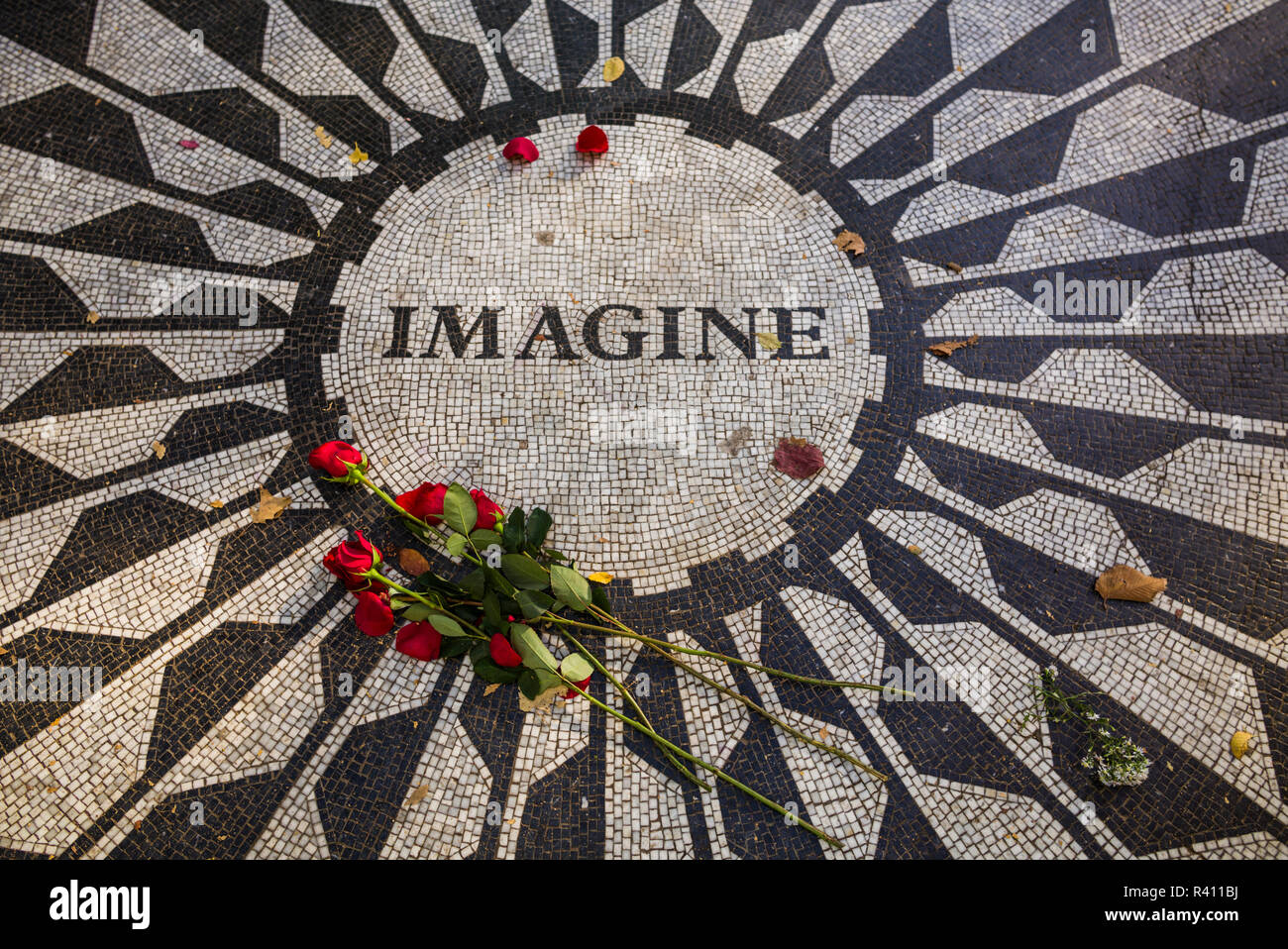USA, New York City, Central Park, Strawberry Fields, memorial to John Lennon. Editorial Use Only - Stock Image