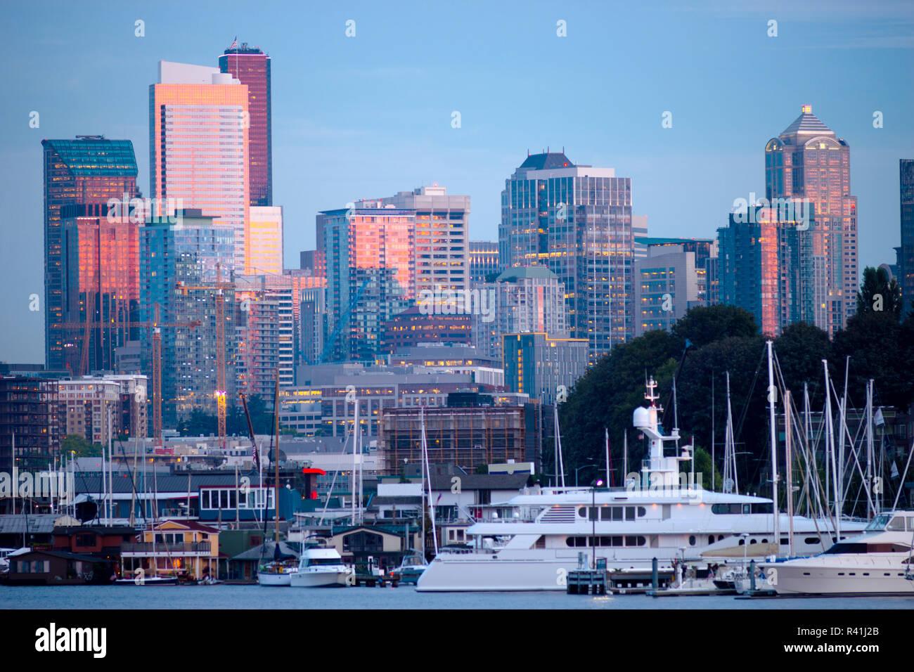 Luxury Yachts Boats Lake Union Seattle Downtown City Skyline - Stock Image