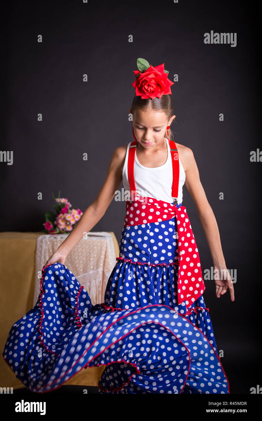 061a911bec18 Flamenco Outfit Stock Photos & Flamenco Outfit Stock Images - Alamy
