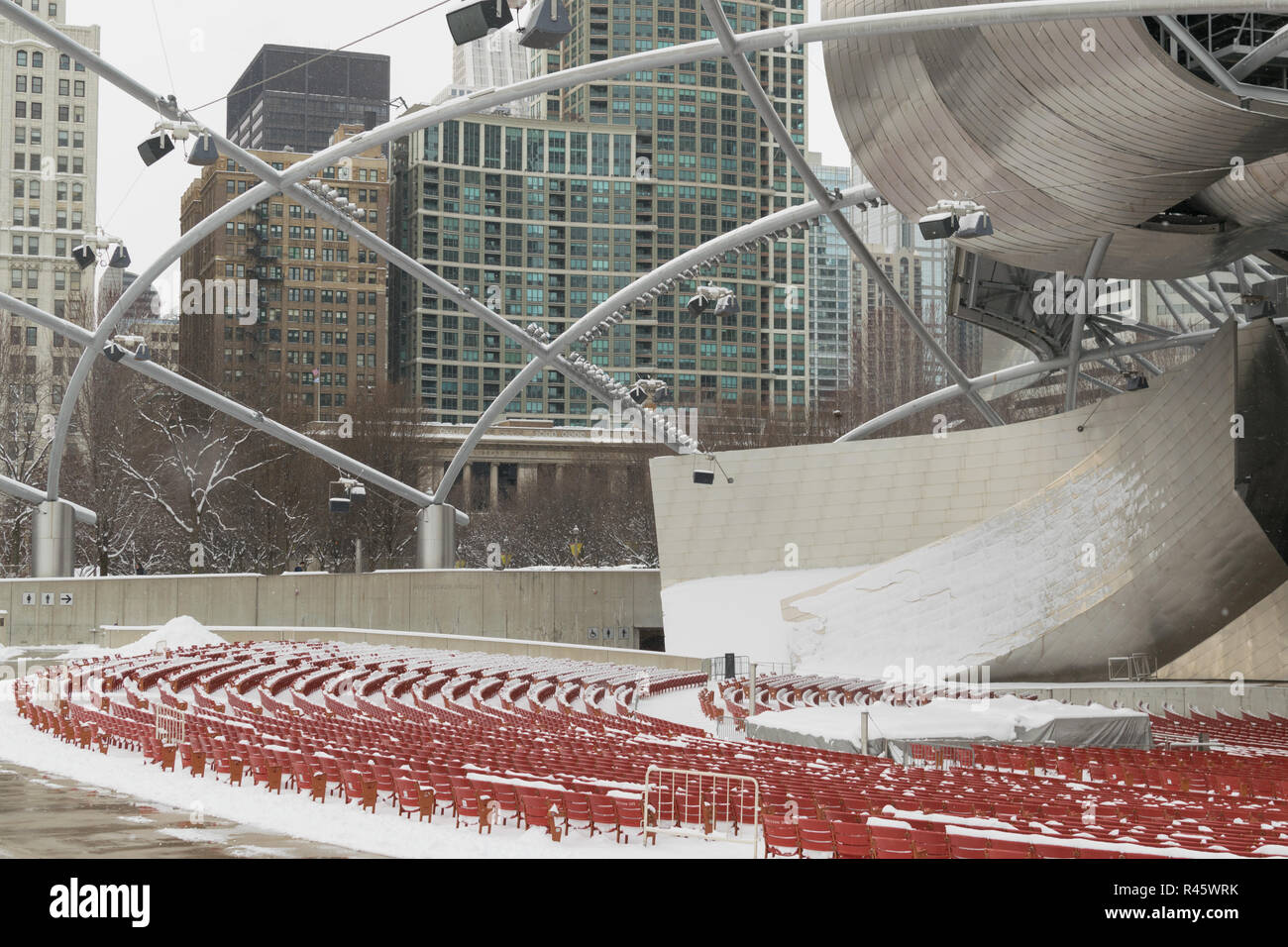 Jay Pritzker Pavilion in the snow, Chicago - Stock Image