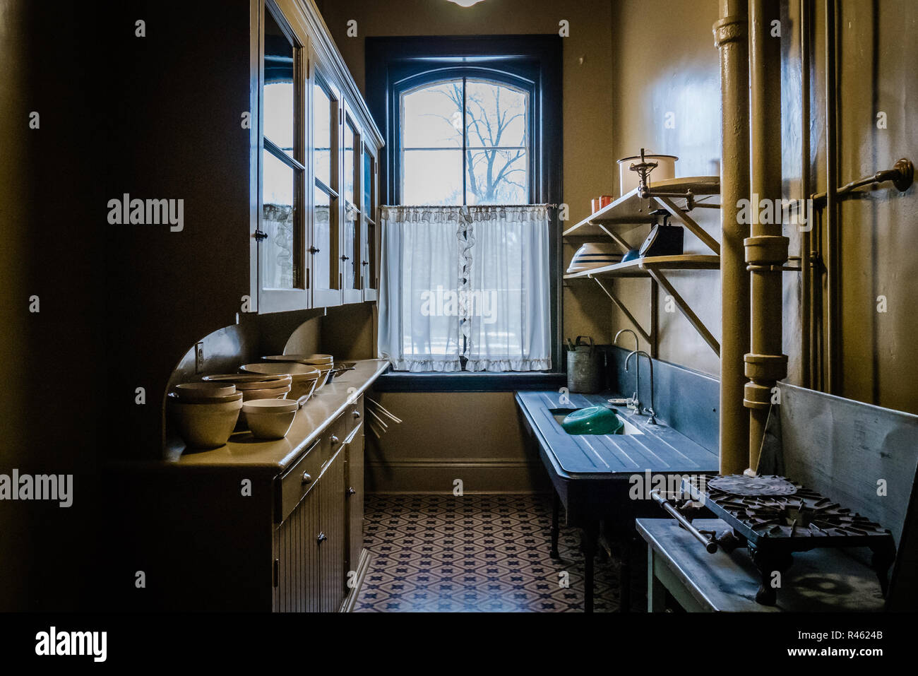 old kitchenmodeled after 1920s wealthy north american home - Stock Image