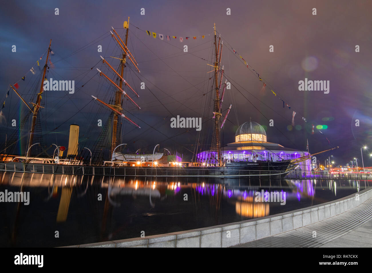 Dundee Discovery Centre at night - Stock Image