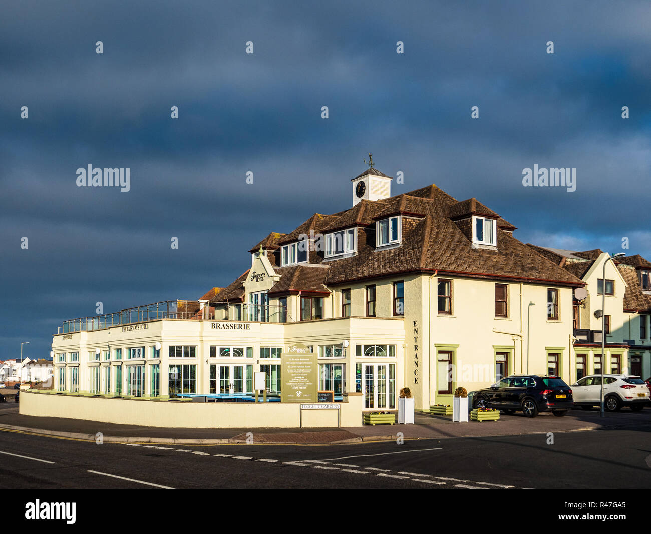 Fairways Hotel Porthcawl - the Porthcawl Fairways Hotel on the seafront in the South Wales seaside resort of Porthcawl - Stock Image
