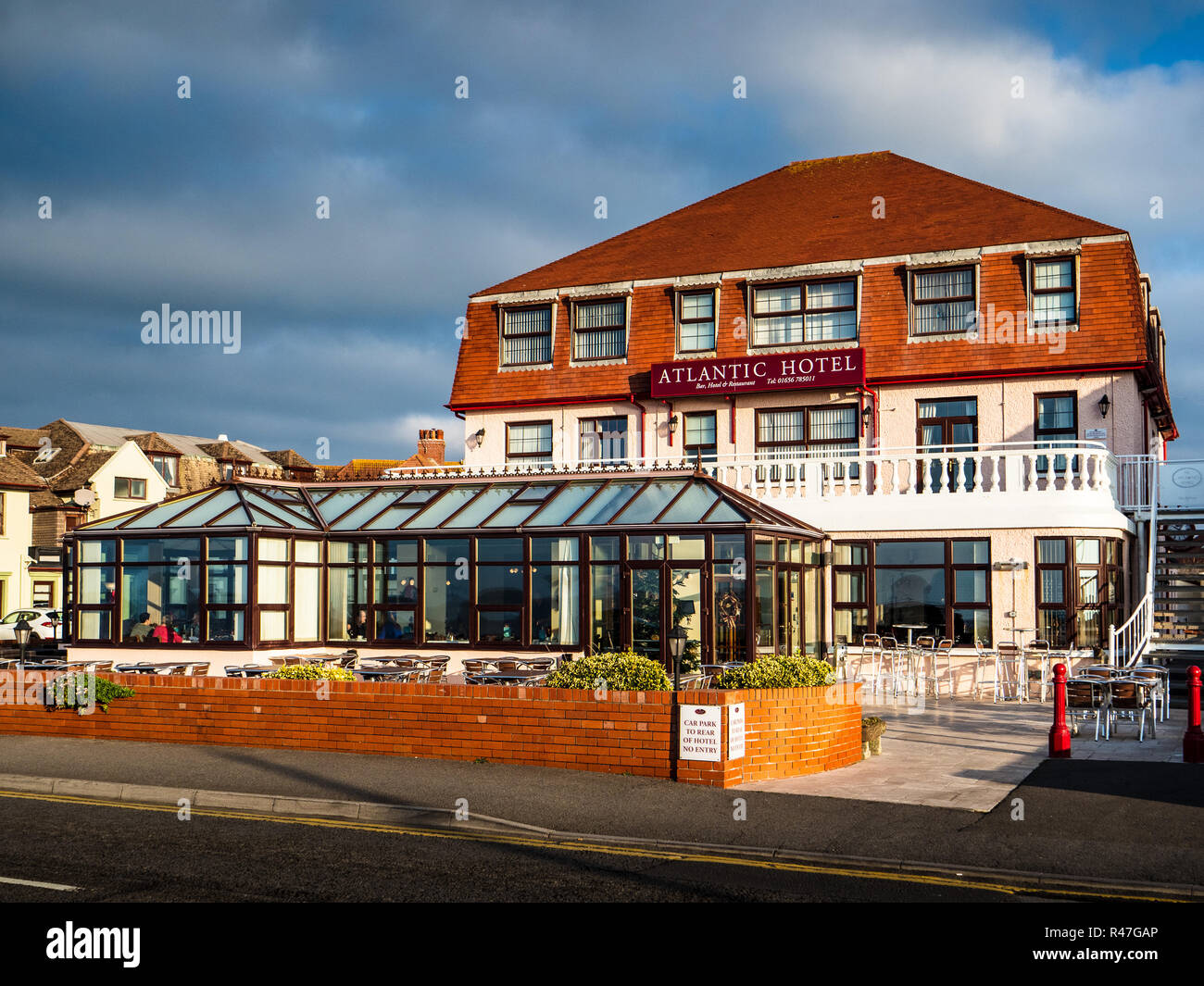 Atlantic Hotel Porthcawl - the Porthcawl Atlantic Hotel on the seafront in the South Wales seaside resort of Porthcawl - Stock Image