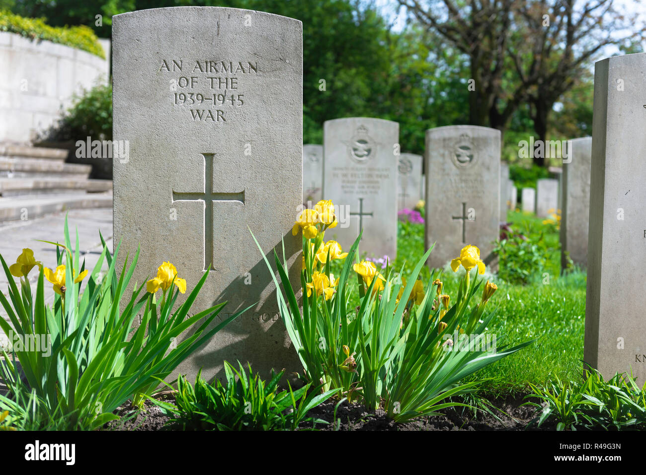 British war grave, view of a well tended headstone of an unknown Allied airman who died in WW2, Poznan (Posen) Garrison Cemetery, Poland. Stock Photo