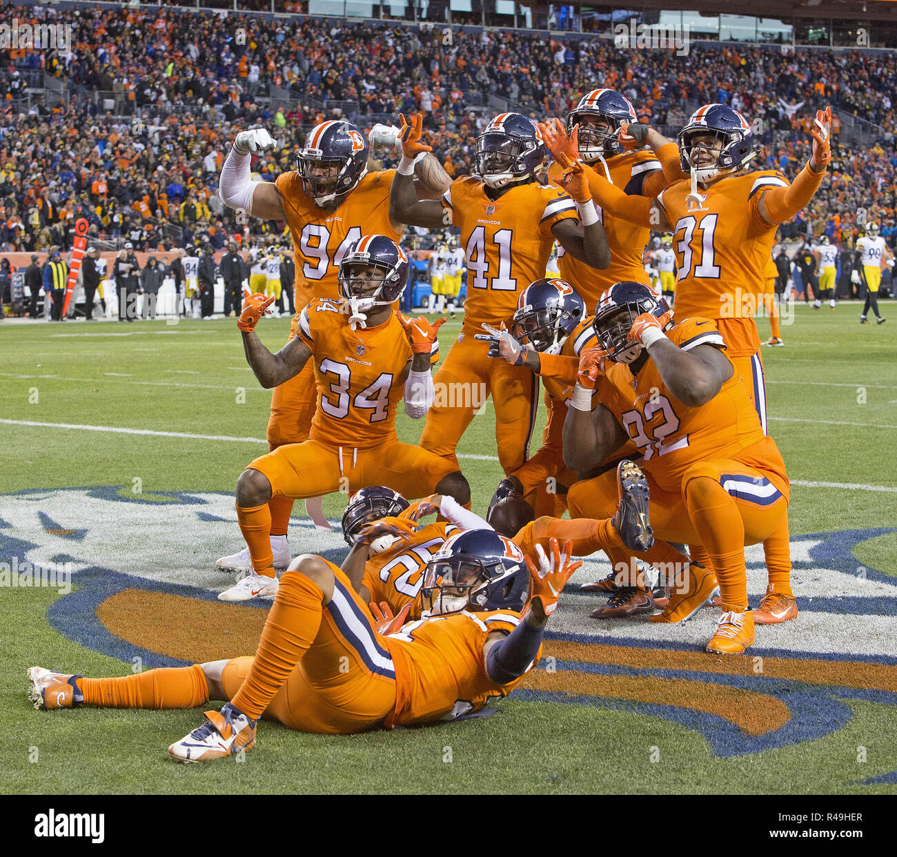 Steelers Defense Stock Photos & Steelers Defense Stock