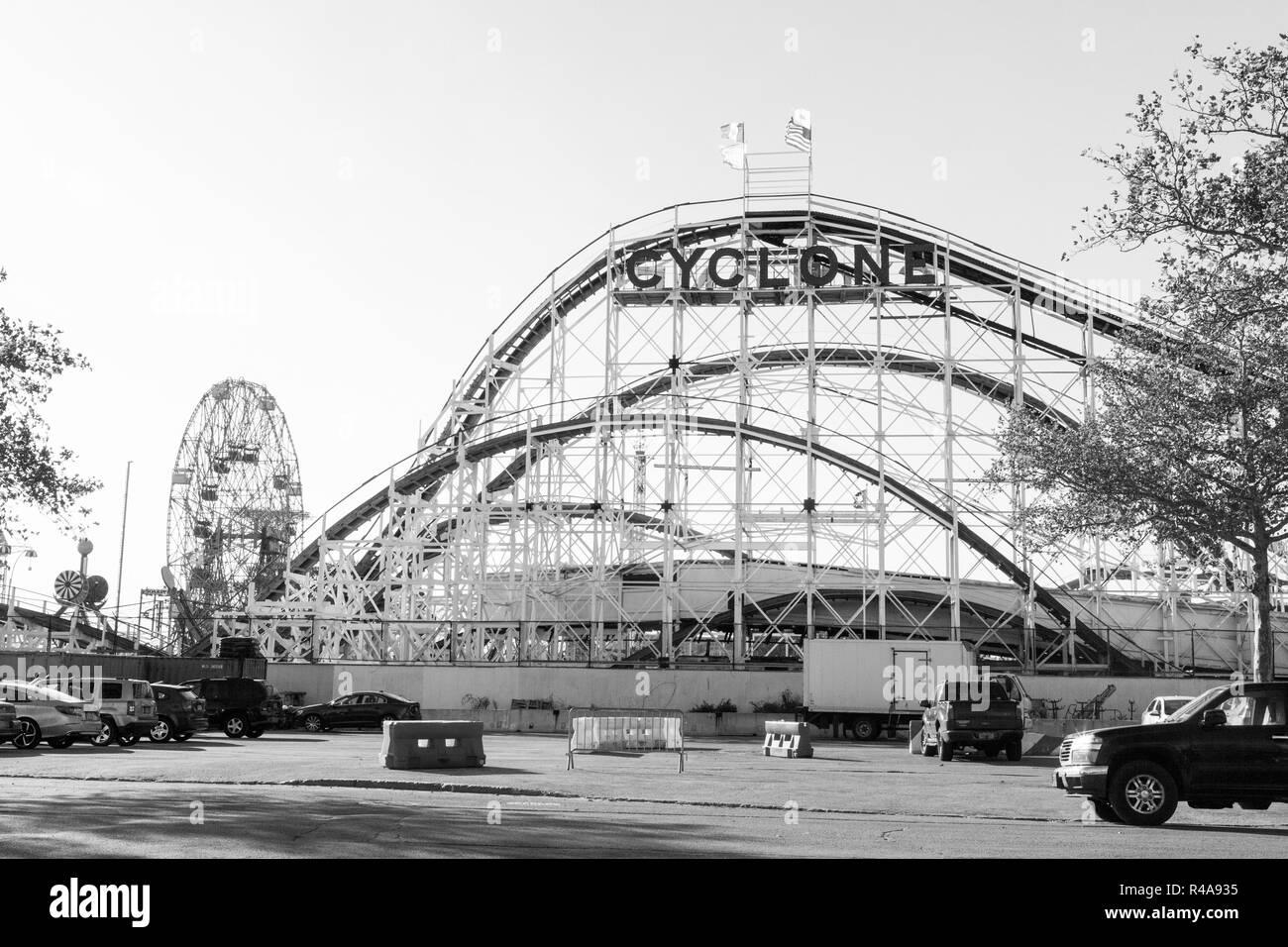Cyclone Roller Coaster Coney Island Brooklyn New York City United States Of America Stock Photo Alamy