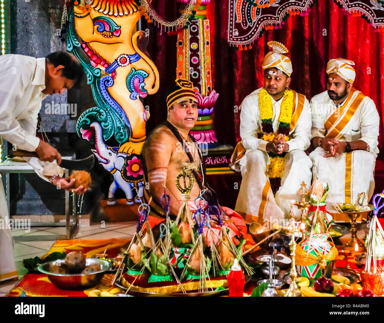 Hindu Wedding Ceremony: Hindu Marriage Ceremony Stock Photos & Hindu Marriage