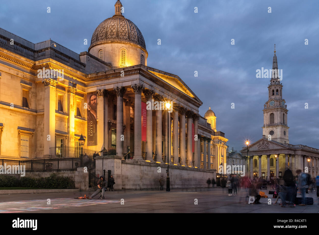 England ,London,Trafalgar Square, The National Gallery and ST Martin-in the-Field church  at night - Stock Image