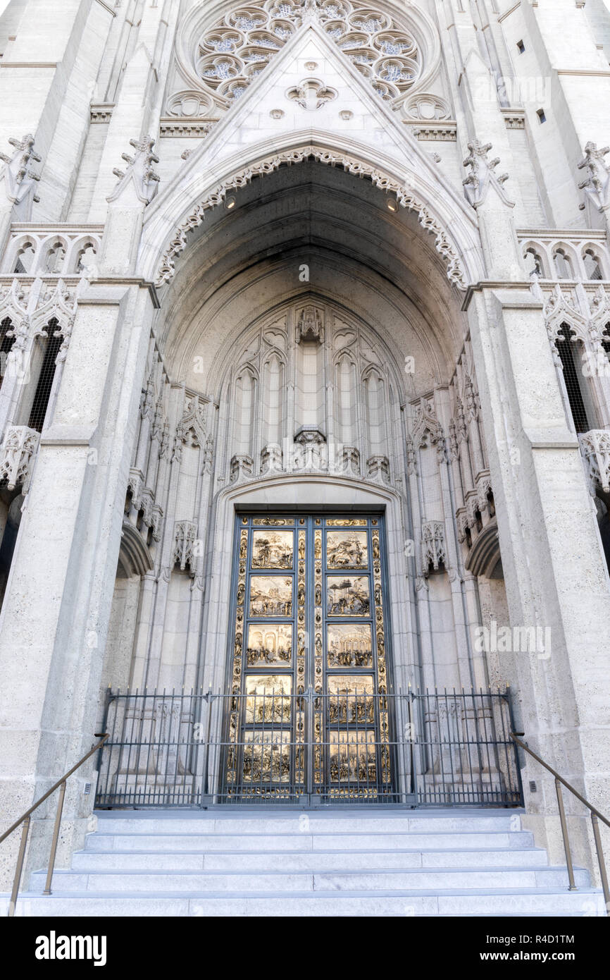 Ghiberti doors ('Gates of Paradise') of Grace Cathedral. - Stock Image
