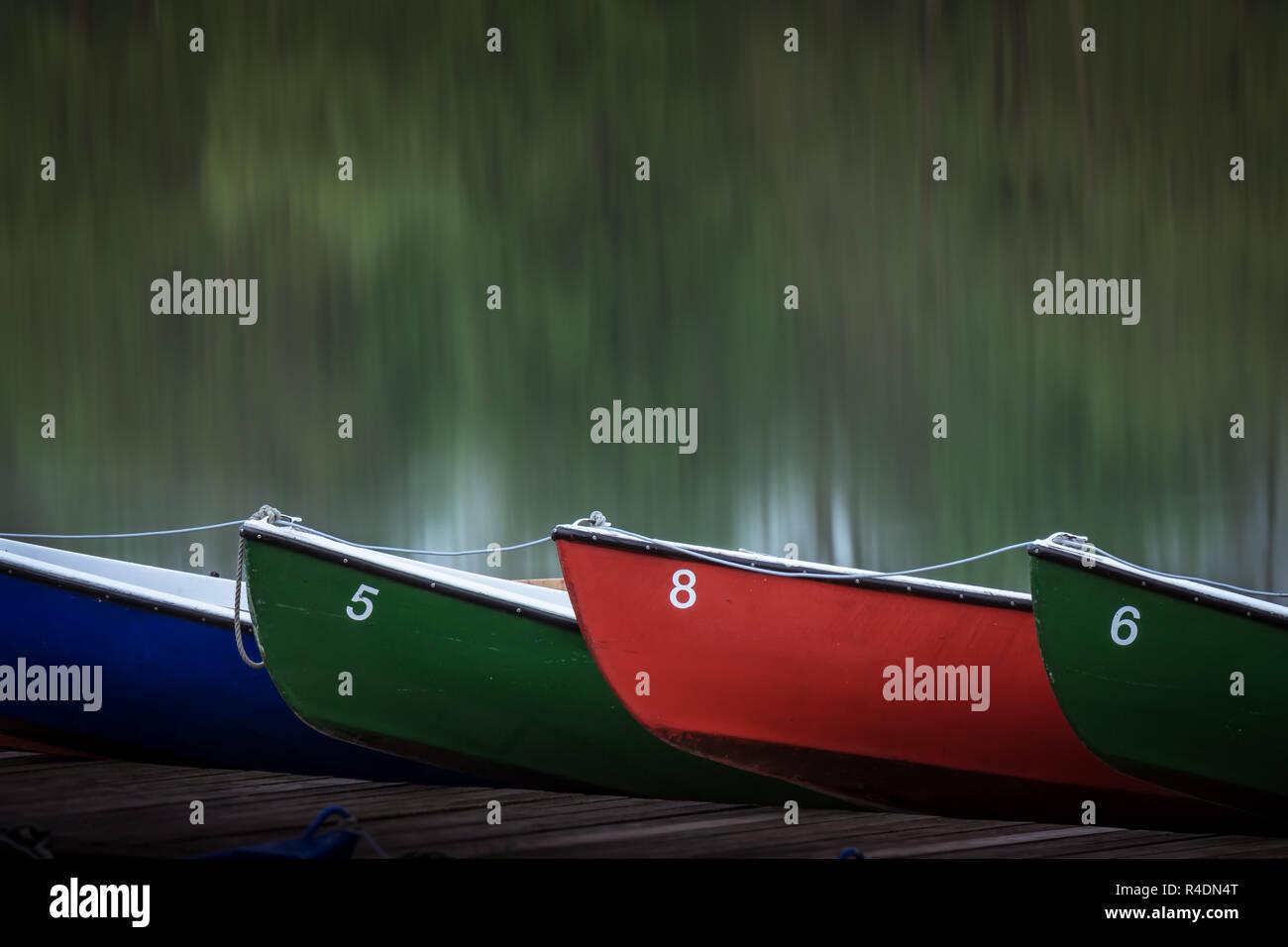 Ruderboote auf Steg am Maschsee in Hannover Stock Photo