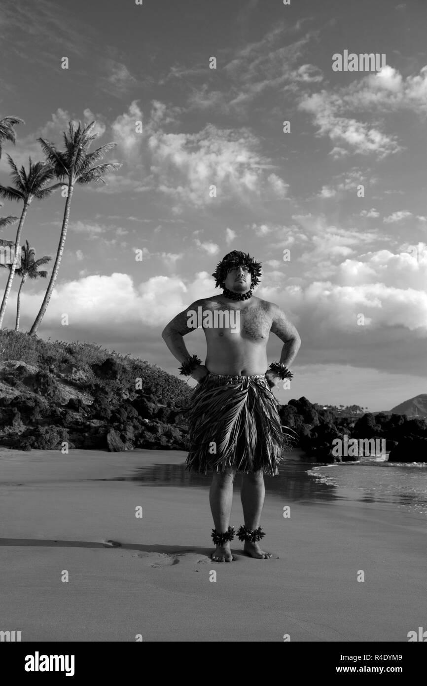 Proud Hawaiian hula dancer on the beach in south Maui, Hawaii. - Stock Image