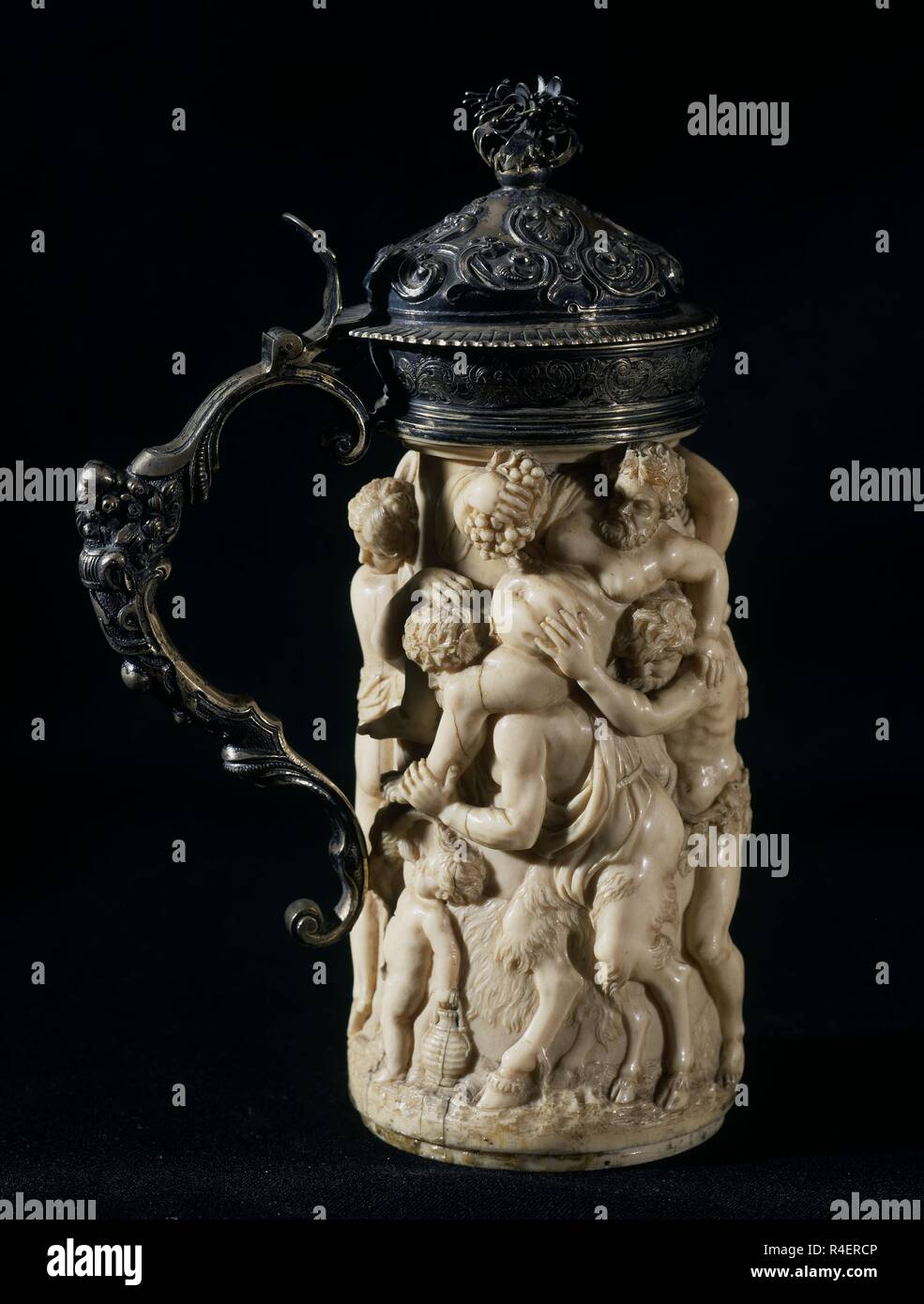 JARRA DE MARFIL CON ESCENA MITOLOGICA. Location: PRIVATE COLLECTION. Stock Photo