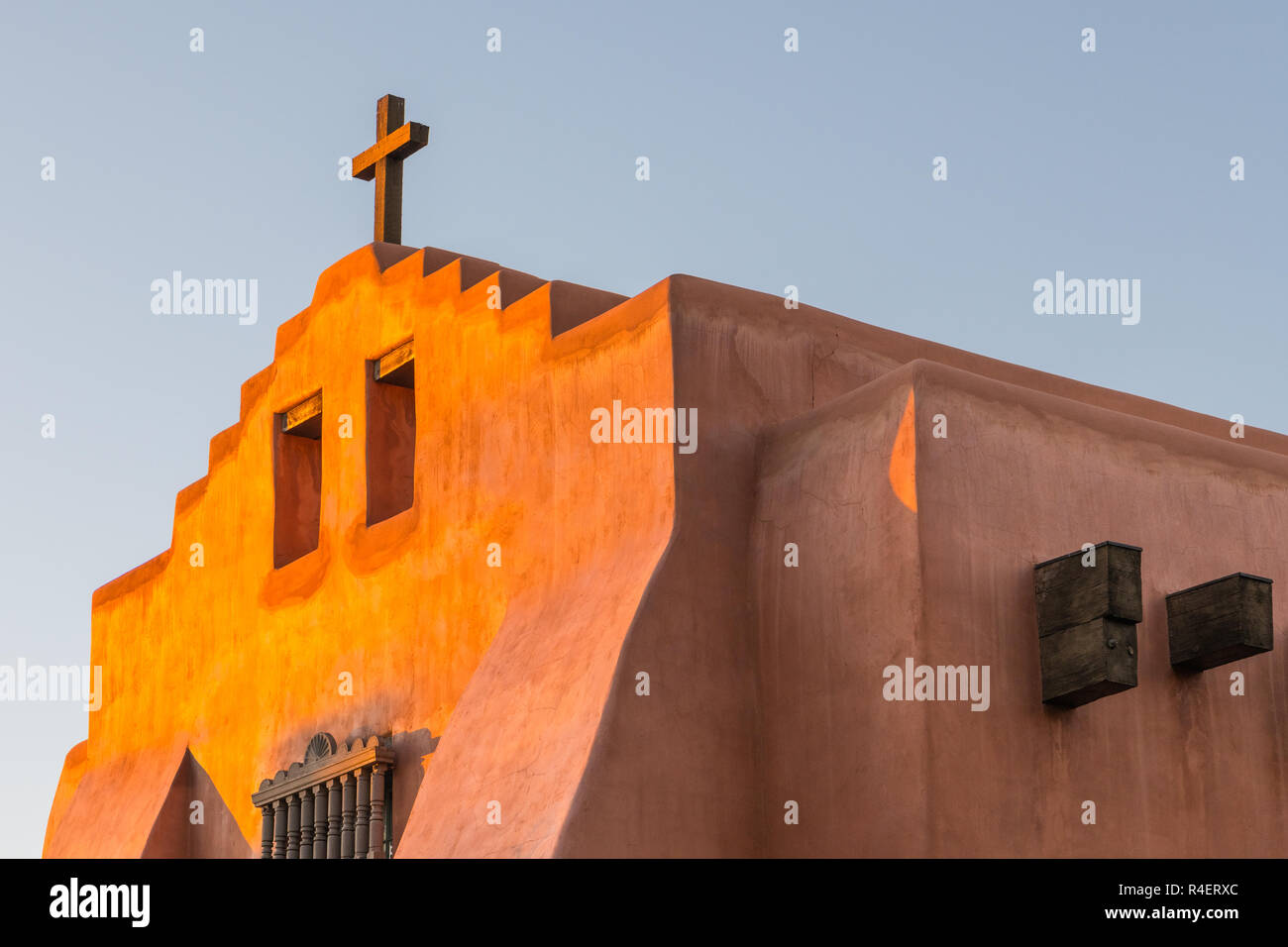 Multiple Dwellings Relief >> American Red Cross Building Stock Photos & American Red Cross Building Stock Images - Alamy