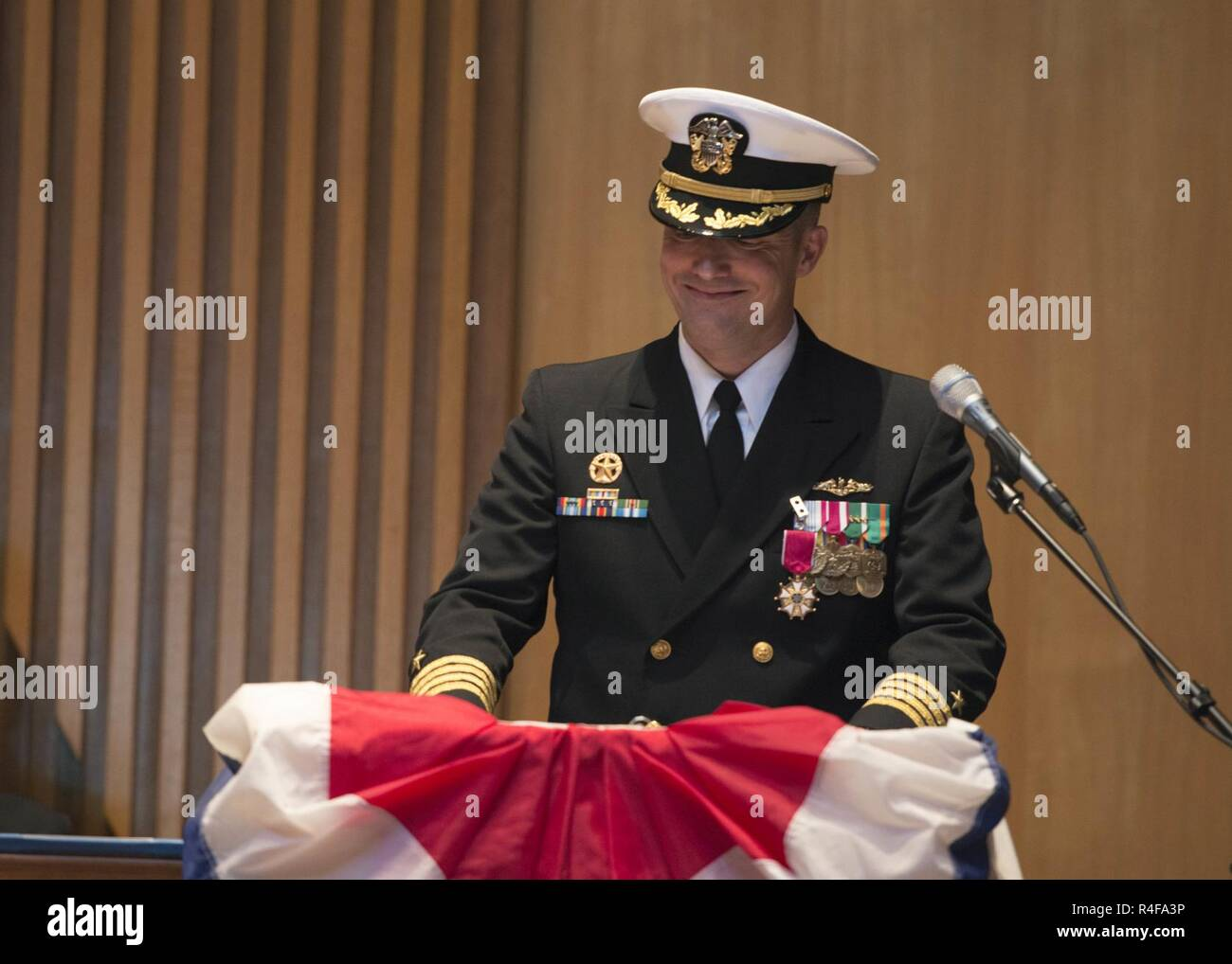 BANGOR, Wash. (Oct. 25, 2016) Capt. Jeffrey Bierley, from Birmingham, Alabama, delivers remarks during a change of command ceremony for the fast-attack submarine USS Seawolf (SSN 21). During the ceremony, held at Bangor Chapel, Bierley turned over command to Cmdr. Christopher George, from Homedale, Idaho. - Stock Image