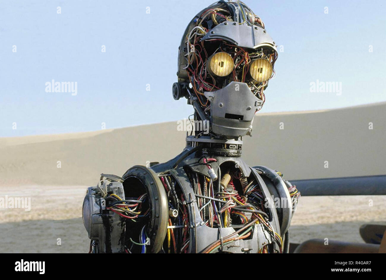 STAR WARS: EPISODE 1 - THE PHANTOM MENACE 1999 Lucasfilm production with Anthony Daniels voicing C-3PO - Stock Image