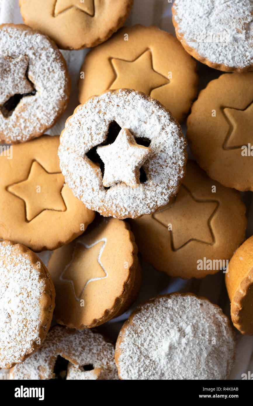 Close-up view of a selection of fruit mince pies. - Stock Image