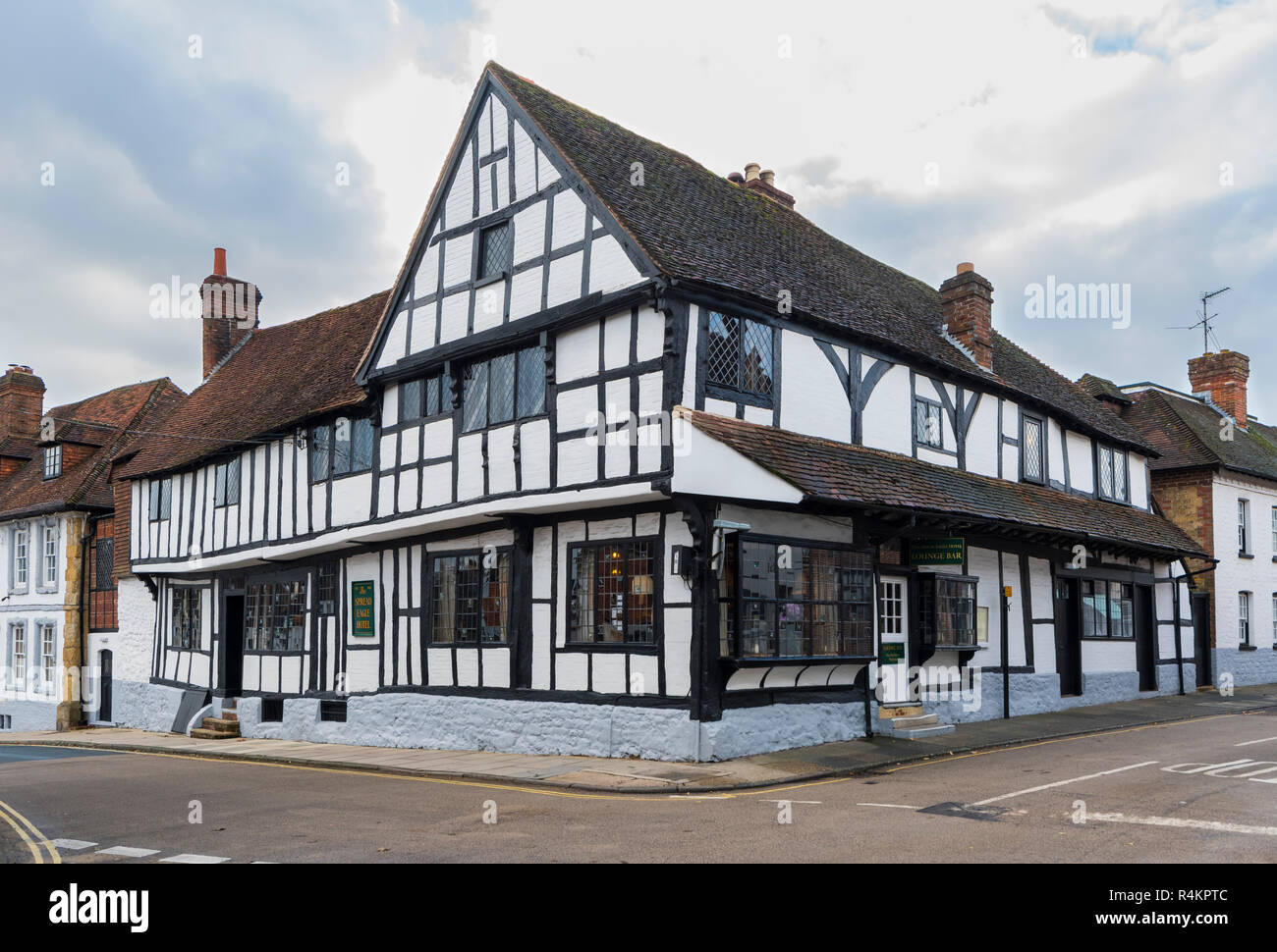Lounge Bar of The Spread Eagle Hotel, a luxury British hotel in a 1400's old Coaching Inn building in Midhurst, West Sussex, England, UK. - Stock Image