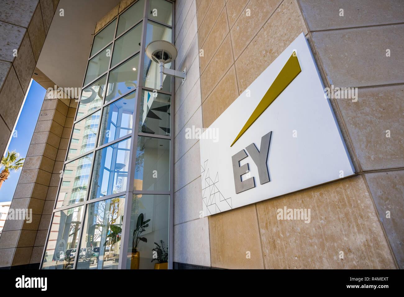 Ey Logo Stock Photos & Ey Logo Stock Images - Alamy