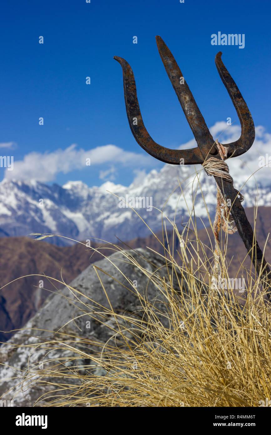 Midway view toward trek to tungnath, chopta, Uttarakhand - Stock Image