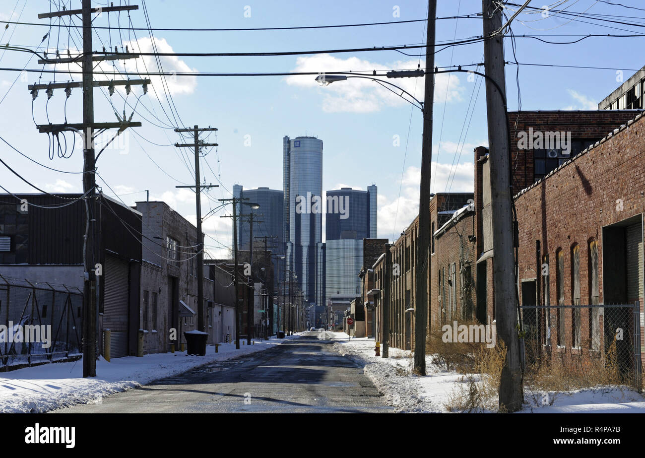 Detroit, USA. 13th Jan, 2009. The picture shows a street with the General Motors headquarters in the background in Detroit, USA, 13 January 2009. Credit: Marijan Murat | usage worldwide/dpa/Alamy Live News - Stock Image