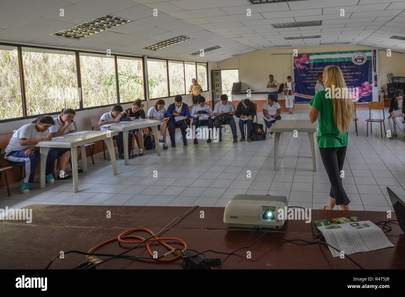 A small Ecuadorian school in the El Oro Province of Ecuador. - Stock Image