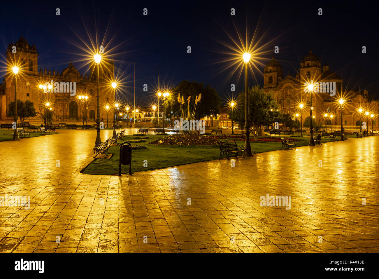 Cusco Cathedral (Cathedral Basilica of Our Lady of the Assumption), left, and La Compania de Jesus Church, right, Plaza de Armas, Cusco, Peru Stock Photo