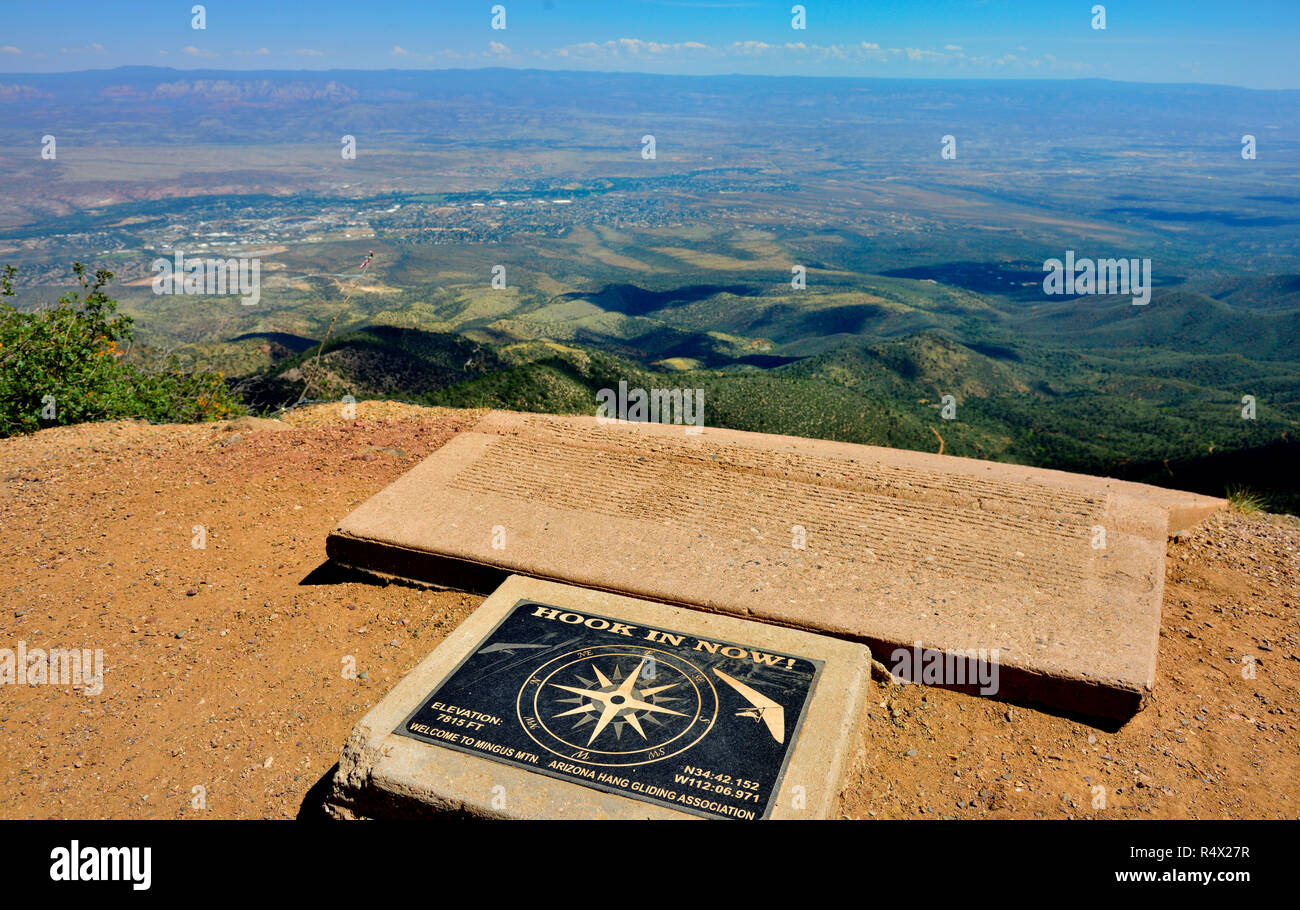 Launching area for hang gliders with warnings to Hook in Now before going forward, Mingus Launch, above Cottenwood, Arizona, USA - Stock Image