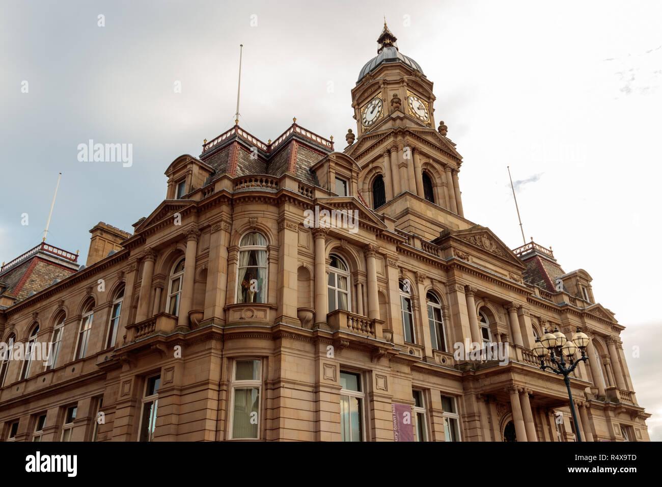 View of Dewsbury Town Hall - Stock Image