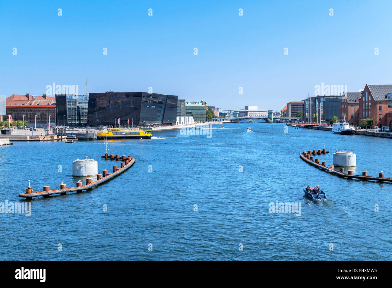 View from Langebro bridge down Københavns Havn towardsThe Black Diamond( Det Kongelige Bibliotek ), Copenhagen, Zealand, Denmark Stock Photo